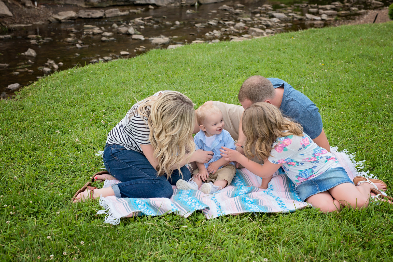 family-new-albany-indiana-louisville-children-photography-child-3